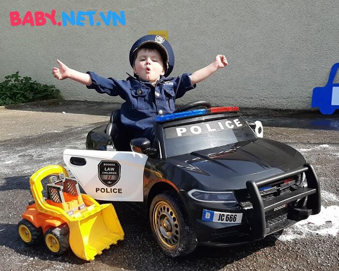 Xe hơi điện cảnh sát trẻ em JC-666 2