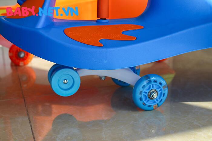Xe lắc tay cho trẻ QT-8091 9