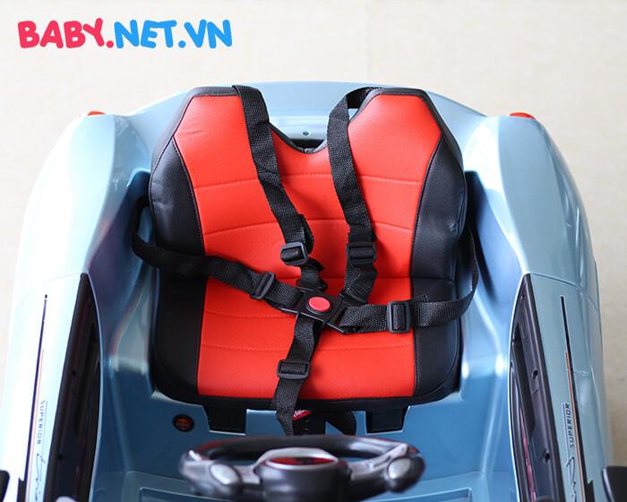 Xe hơi chạy điện trẻ em 7588 19