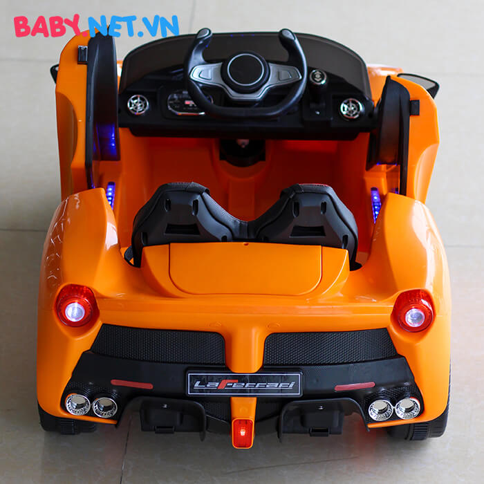 Xe hơi chạy điện trẻ em 7588 2
